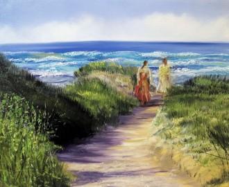 Zwei Frauen auf dem Weg zum Strand